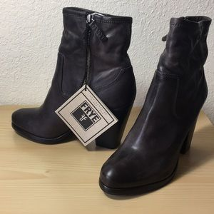 Authentic Frye Patty Artisan Zip booties
